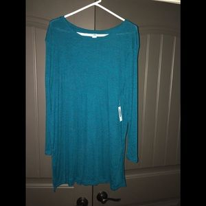 Turquoise tunic perfect with leggings.